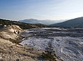 Mammoth Hot Springs (28880961934).jpg