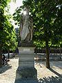 Marguerite of Anjou statue.jpg