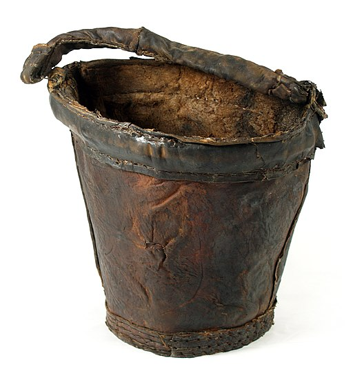 MaryRose-leather bucket