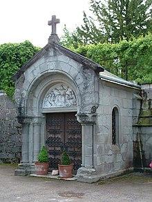 Zugangsbau zum Mausoleum von Schloss Cumberland in Gmunden, in dem auch Königin Marie bestattet ist (Quelle: Wikimedia)