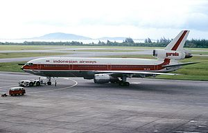 Garuda Indonesia Flight 865 - The accident aircraft, PK-GIE (pictured in 1985, shortly before Garuda Indonesia changed their livery.)