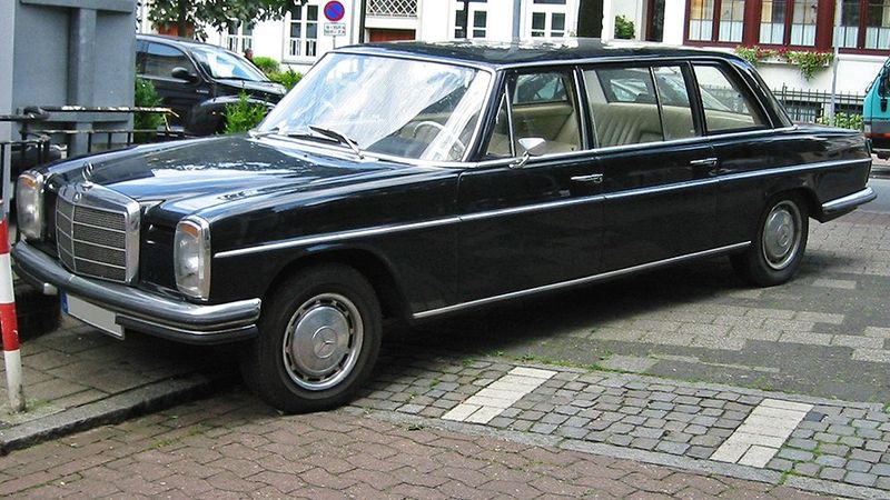 File Mercedes W115 Lang Jpg Wikimedia Commons