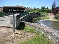 Messeugne (Savigny-sur-Grosne, Saône-et-Loire, Fr) La Grosne (avec panneau).JPG