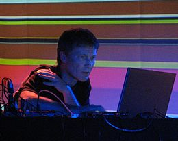 Michael rother 2007-11-14 live2.jpg