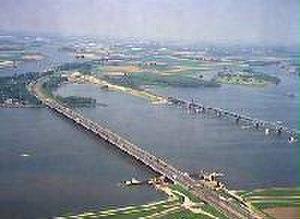 Moerdijk bridges - Moerdijk bridges in 2001