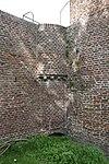Monnikendam: waterpoort door twee zware ronde torens geflankeerd