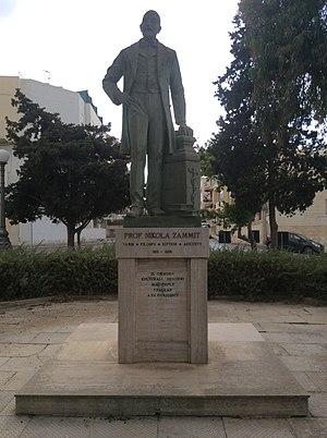 Nicholas Zammit - Image: Monument of Nicholas Zammit
