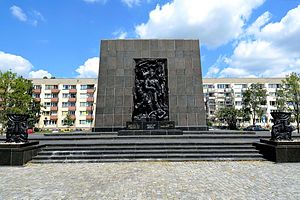Warschauer Kniefall - The Warsaw Ghetto Heroes memorial.