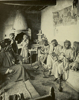 Mosul - A coffee house in Mosul, 1914.
