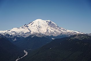 Mount Rainier from the Silver Queen Peak.jpg