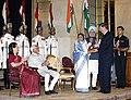 Mr. Bill Gates receiving the Indira Gandhi Prize for Peace, Disarmament and Development on behalf of the Bill and Melinda Gates Foundation from the President, Smt. Pratibha Devisingh Patil at Rashtrapati Bhavan, in New Delhi.jpg