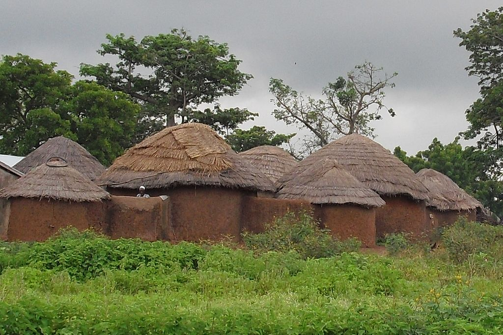 File Mud And Thatch House Jpg Wikimedia Commons