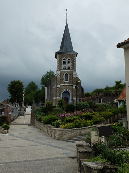 File:Nesles - Eglise - 2.JPG
