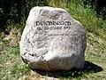 Neu Manchnow - Gedenkstein 1947 - panoramio.jpg