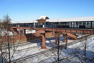 Rhine Railway (Baden) - Image: Neulussheim Bahnhof meph 666 2004 Feb 27 a