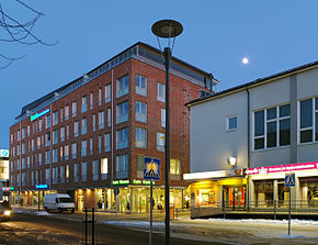 New-building-on-old-market-square-Seinäjoki.jpg