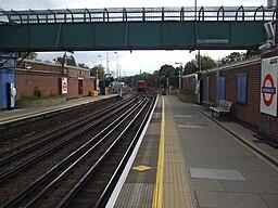 Northwood station look east2