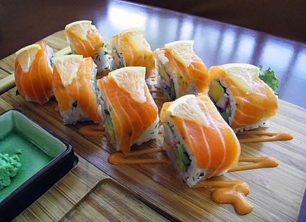 Norway roll (noruueJuan ki). A Norwegian businessman introduced the use of salmon as a sushi ingredient to Japan in the 1980s. Norwegia Roll Salmon Sushi.jpg