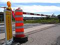 Nouvelle signalisation préventive près d'une voie ferrée.jpg