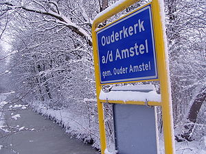 Ouderkerk aan de Amstel - Entering the town of Ouderkerk aan de Amstel