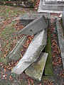 Père-Lachaise, Totally buried (10153295484).jpg
