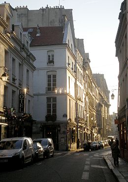 La rue Saint-Paul en direction du quai des Célestins.