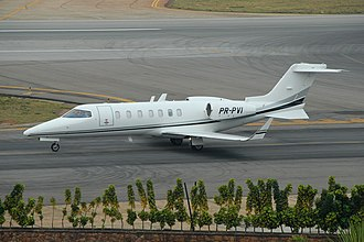 Learjet 40 - Image: PR PVI@CGH 16AUG14 (15339361750)