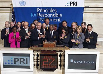 Principles for Responsible Investment - Unveiling of the PRI at the New York Stock Exchange in 2006, attended by founding PRI signatories and the former UN Secretary General Kofi Annan.