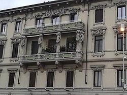 Palazzo delle Cariattidi, facciata principale.jpg