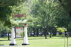Chicago park and boulevard system - Boulevards information sign in Palmer Square