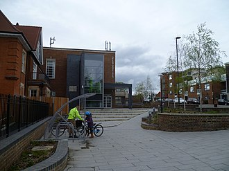 Palmers Green - Image: Palmers Green Library 05