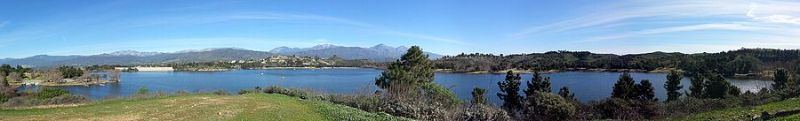 Panorama of Puddingstone Reservoir with the dam visible to the left.