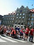 Parada żeglarzy - postój pod Urzędem Miasta (1284647530).jpg