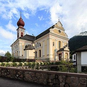 Parish church of Urtijëi - Image: Parish church St. Ulrich Urtijëi
