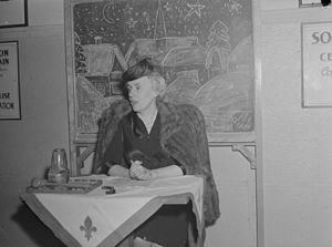Thérèse Casgrain - Thérèse Casgrain lectures at the Family Consumer Cooperative Saint-Hubert Street in Montreal. January 14, 1945
