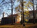 Perivoj Zrinskih, Čakovec, sa starim gradom u pozadini.jpg