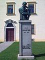 Pomník Antonína Sovy při pacovském zámku.jpg