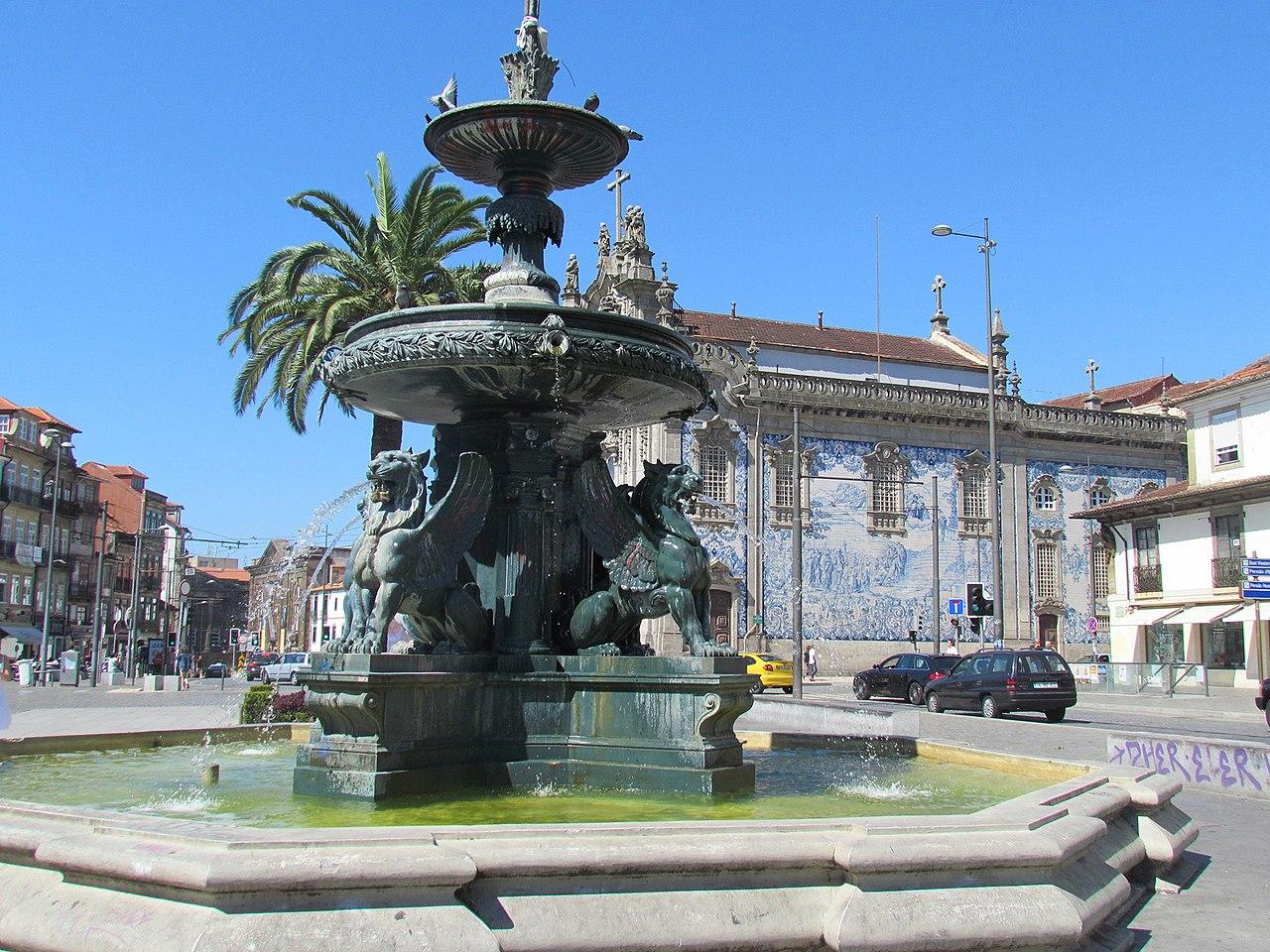 Porto, Fonte dos Leões (1).jpg