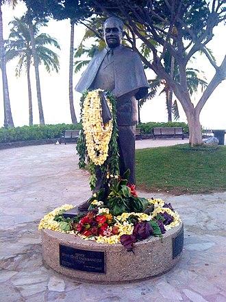 Jonah Kūhiō Kalanianaʻole - The Prince Kūhiō Statue at Waikīkī