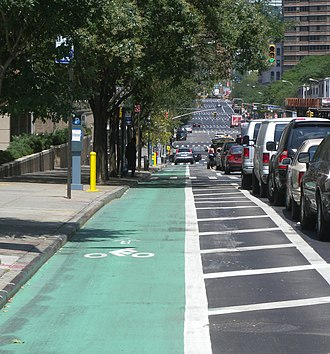 First Avenue (Manhattan) - Image: Protected bikelane 1st Av jeh