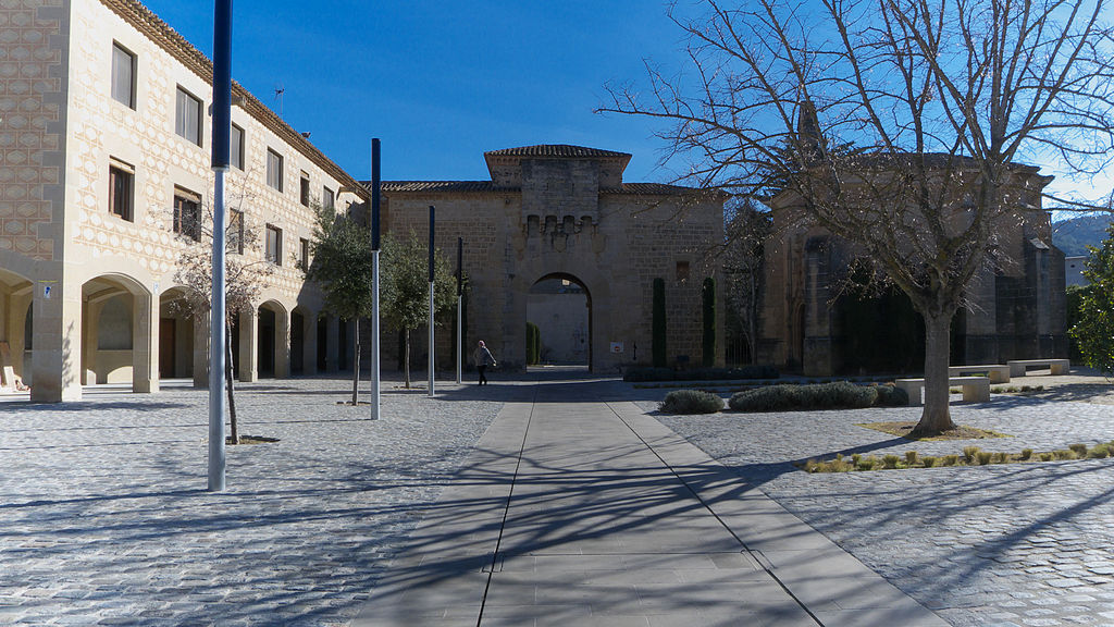 Puerta Dorada. Monasterio de Poblet.jpg