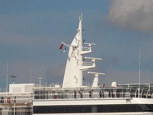 Queen Victoria Top 9 July 2012 Tallinn.JPG