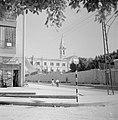 Ramle Straatbeeld met het Franciscaanse St Nicodemus Hospice met de St Joseph, Bestanddeelnr 255-3874.jpg