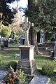 Ravensburg Hauptfriedhof Grabmal Sommer.jpg