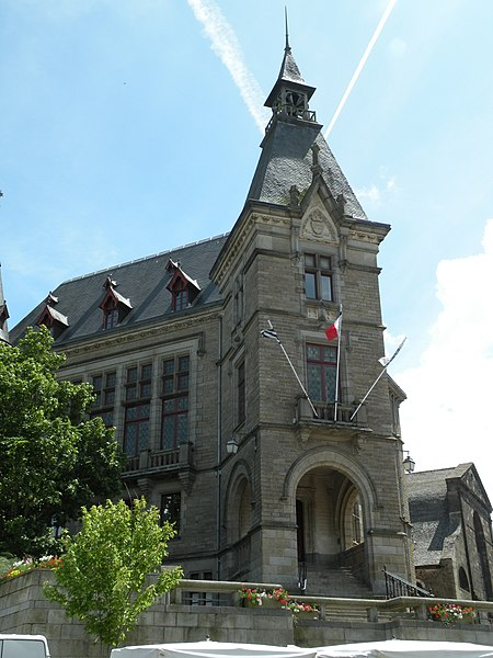 Town hall of Redon.