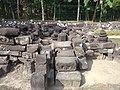 Reruntuhan Perwara Candi Merak.jpg