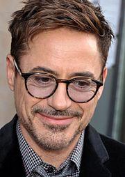 Robert Downey Jr, incarnation d'Iron Man à l'écran, lors de l'avant-première du film au Grand Rex à Paris, en avril 2013.