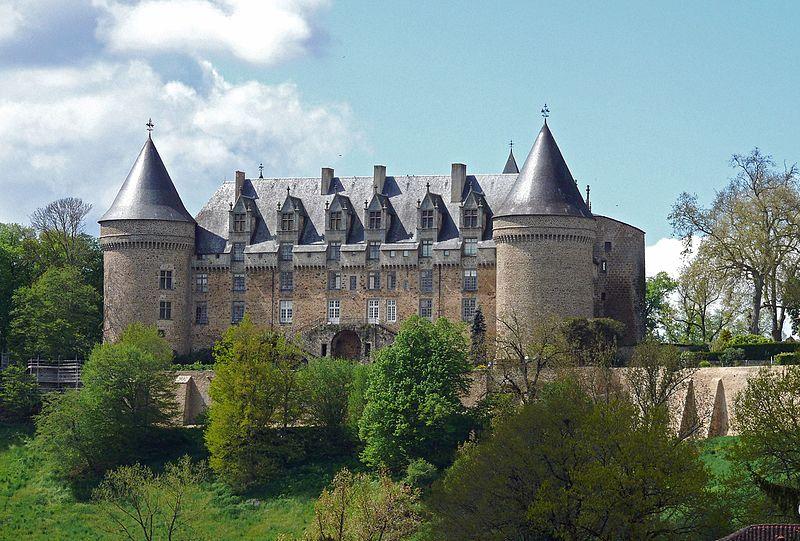 File:Rochechouart - Château -1.JPG