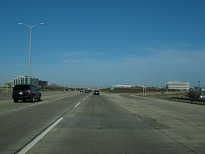 Interstate 88 (Illinois) - Ronald Reagan Memorial Tollway in Naperville, heading east