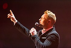 Ronan Keating - 2016330210120 2016-11-25 Night of the Proms - Sven - 1D X - 0239 - DV3P2379 mod.jpg
